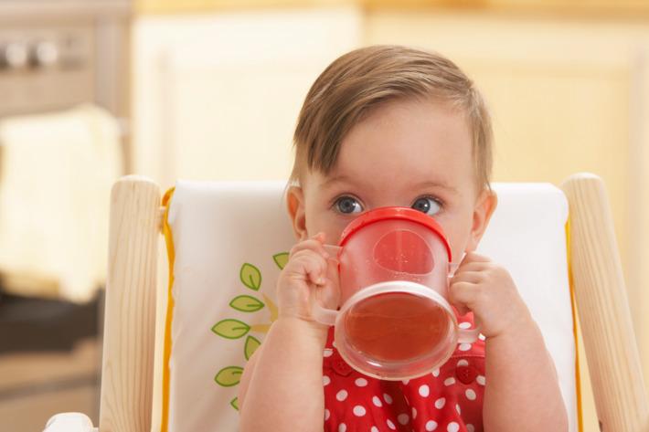 Bebekler İçin Meyve Suyu Yapımı