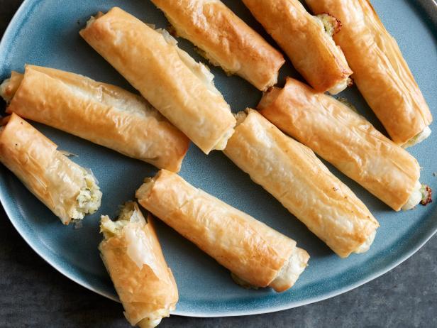 Lor Peynirli Ve Patatesli Sigara Böreği