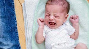 Kolik Bebek Nedir? Nasıl Sakinleştirilir?