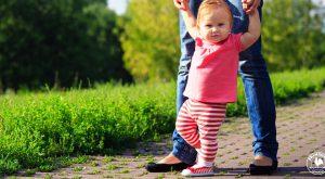 Bebeğe Yürümeyi Nasıl Öğretirim?