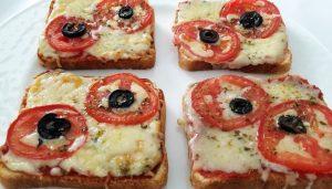 Ekmek Üstü Pizza